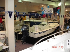 Фото с рыболовных и водомоторных выставок